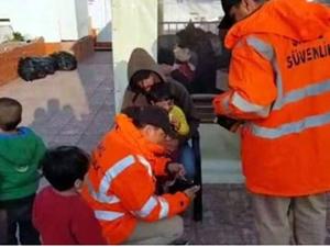 Dikili açıklarında 63 kaçak göçmen yakalandı