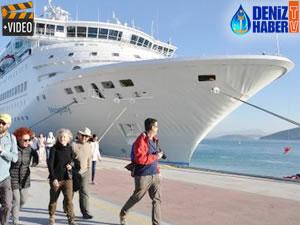 M/S Celestyal Majesty, bin 700 yolcusuyla Ege Port Limanı'na demirledi