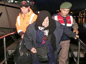 Kuşadası Körfezi'nde 81 kaçak göçmen yakalandı
