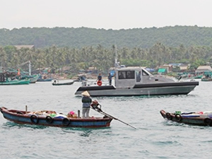 Vietnam'a altı adet karakol botu teslim edildi