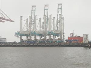 Safiport Derince'nin dev konteyner vinçleri yola çıktı