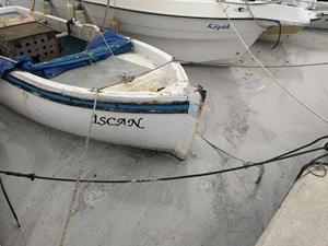 Aliağa'da denize dökülen atıklar araştırılıyor