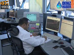 İstanbul Boğazı'nda gemi trafiği merkezden kontrol ediliyor