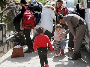 Yunan adalarına kaçmak isteyen 111 göçmen yakalandı