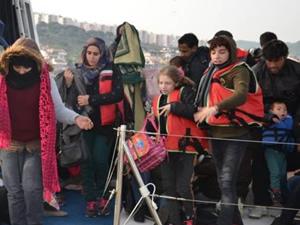 Kuşadası Körfezi'nde 49 kaçak göçmen yakalandı