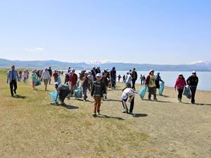 Tuşba Belediyesi sahil temizliği düzenledi