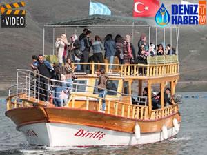 Demirözü Barajı'nda tekne turu yapılıyor