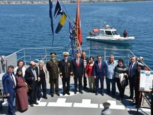TCG Bozcaada, Edremit Limanı'nı ziyaret etti