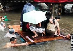 Talim tayfunu Çin'i esir aldı