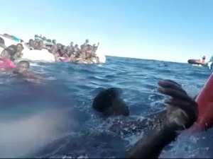 Akdeniz'de binden fazla mülteci kurtarıldı