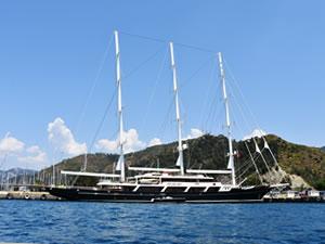 Lüks yelkenli yat 'EOS' Marmaris'e yanaştı
