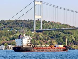 M/V Kyzyl 60, İstanbul Boğazı'ndan geçti