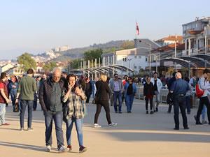 Bursalılar Mudanya'da sahillere akın etti