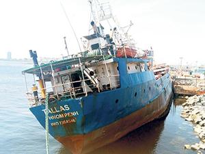 İstanbul'un hayalet gemileri kaldırılıyor