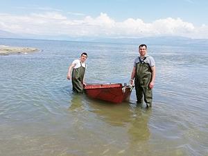 Jandarma, kaçak avcılıkta kullanılan tekneleri karaya çekti