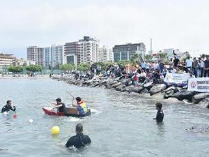 İSTE öğrencileri karton teknelerle yarıştı