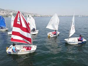 İzmit Yelken Kulübü, Optimist - Laser Türkiye Şampiyonası'na katılıyor