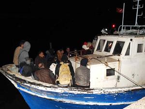 Antalya ve Mersin'de 318 göçmen yakalandı