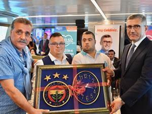Fenerbahçeli yöneticiler engellilerle boğaz turu yaptı