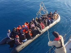 Ege Denizi'nde 174 kaçak göçmen yakalandı