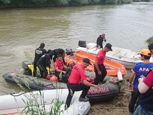 Sakarya Nehri'ne düşen kişinin cesedi bulundu