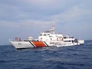 Sahil Güvenlik Ege'de hem kurtardı hem yakaladı