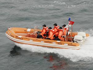 Kaybolan balıkçıları arama çalışmaları devam ediyor