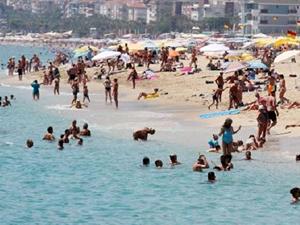 Alanya'da Ramazan ayında sahiller turistlere kaldı