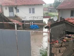 Eskişehir'de sel suları caddelere nehir gibi aktı