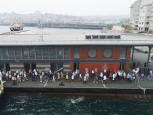 Hizmete başlayan Karaköy İskelesi, havadan görüntülendi