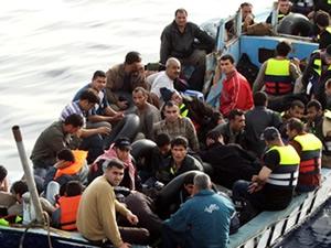 Seferihisar'da 63 kaçak göçmen yakalandı