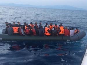 İzmir'de 53 göçmeni Sahil Güvenlik kurtardı