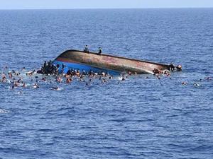 Libya açıklarında 100 sığınmacı boğularak yaşamını yitirdi