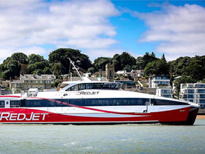 Red Funnel, yüksek hızlı feribotunu tanıttı