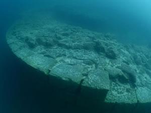 Van Gölü'nde yeni kale kalıntıları gün yüzüne çıktı