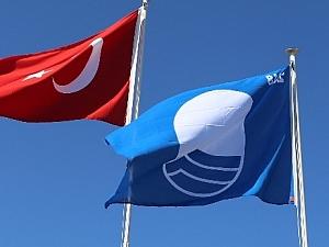 Ören Plajı'nda Mavi Bayrak dalgalanıyor