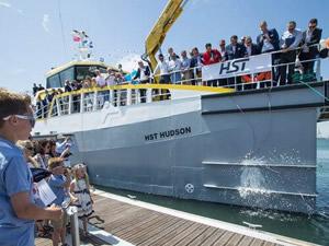 Damen Tersanesi, yeni mürettebat gemisini İngiltere'de tanıttı