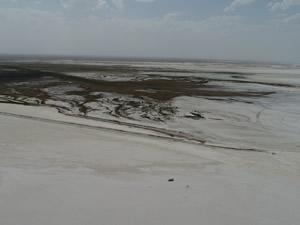 Tuz Gölü'nün hızla küçüldüğü tespit edildi