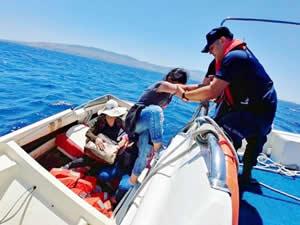 Bodrum'da denizde dokuz kaçak göçmen yakalandı