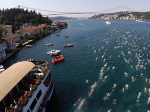 Kıtalararası Yüzme Yarışı'na 2 bin 400 yüzücü katılıyor
