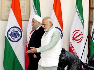 İran, Hindistan'ı petrol ithalatı konusunda uyardı