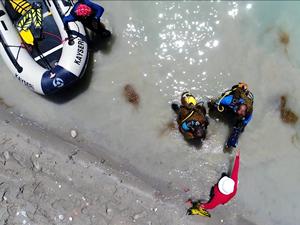 """Kayseri'de gönüllü """"balık adamlar"""" hayat kurtarıyor"""