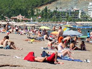 Marmaris'te Mavi Bayraklı plajlar doldu