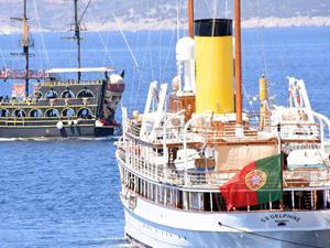 En büyük buharlı yat 'SS Delphine' Bodrum'a yanaştı