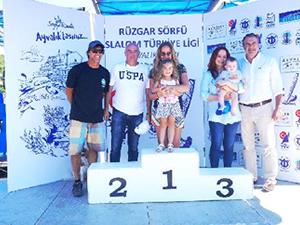 Ayvalık'ta düzenlenen sörf yarışları sona erdi