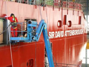 RRS SIR DAVID ATTENBOROUGH, Mersey Nehri'nde suya indirildi