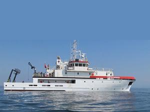 R/V TUBITAK MARMARA, deniz kirliliğini araştırıyor