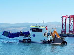 Bursa sahillerinde temizlik çalışmaları devam ediyor