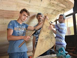 Ahşap tekne imalatı, Bartın'da nesilden nesile devam ediyor