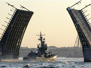 St. Petersburg, Rusya Deniz Kuvvetleri Günü'nü kutlamaya hazırlanıyor
